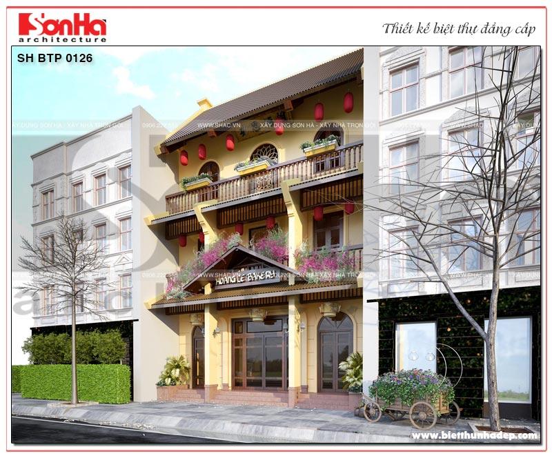 Từng đường nét kiến trúc mặt tiền ngôi biệt thự đều thể hiện có hồn bản sắc văn hóa Việt