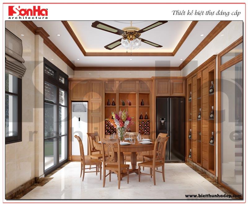 Lối thiết kế mở mang đến một không gian rộng thoáng cho căn phòng bếp biệt thự