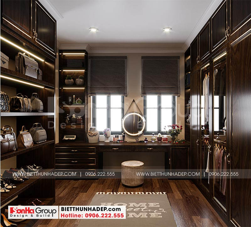 Khu thay đồ có thiết kế nội thất gỗ cao cấp được bố trí khoa học trong không gian phòng ngủ master