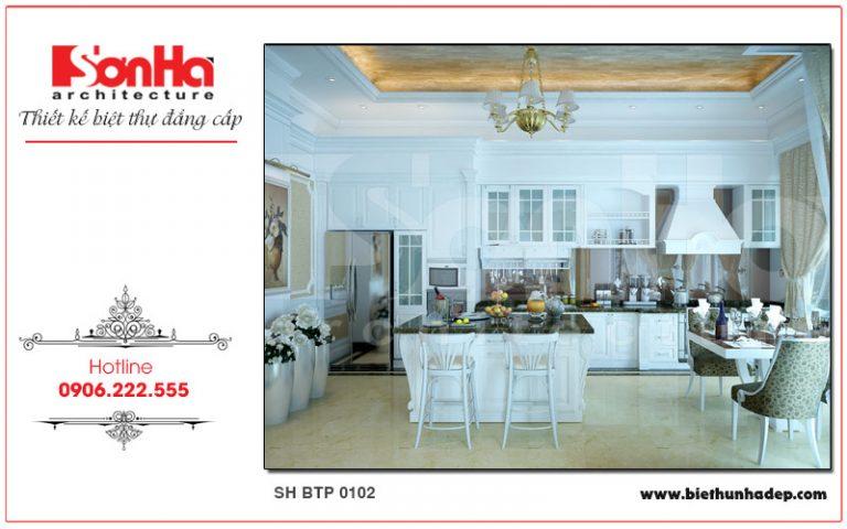 Sự đồng nhất trong thiết kế màu sắc phòng bếp sẽ mang lại sự hài hòa cho tổng thể ngôi biệt thự kiến trúc Pháp cổ điển
