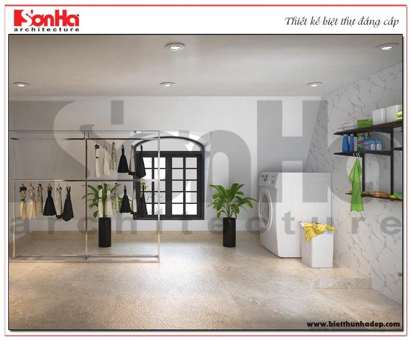 Phòng giặt đồ của biệt thự được thiết kế rộng thoáng và ngăn nắp